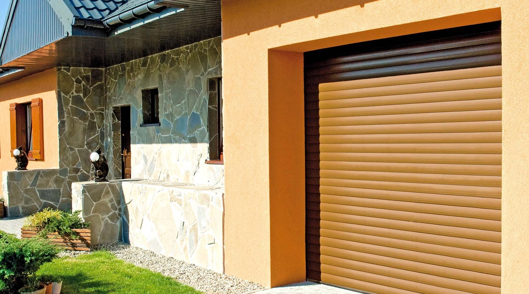 km-plast-rozwiązania-energooszczędne-bramy-garażowe-roletowe-funkcjonalność-i-wytrzymałość-najwyższa-jakość